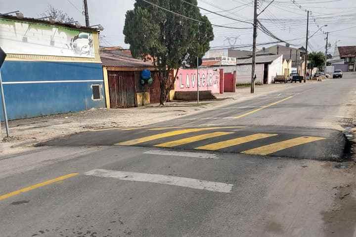 Motorista que transita pelos bairros da Regional Tatuquara (Caximba, Ganchinho e Tatuquara), deve dirigir com cuidado. Isso porque a Superintendência de Trânsito (Setran), implantou três novas lombadas na região. Foto: Divulgação