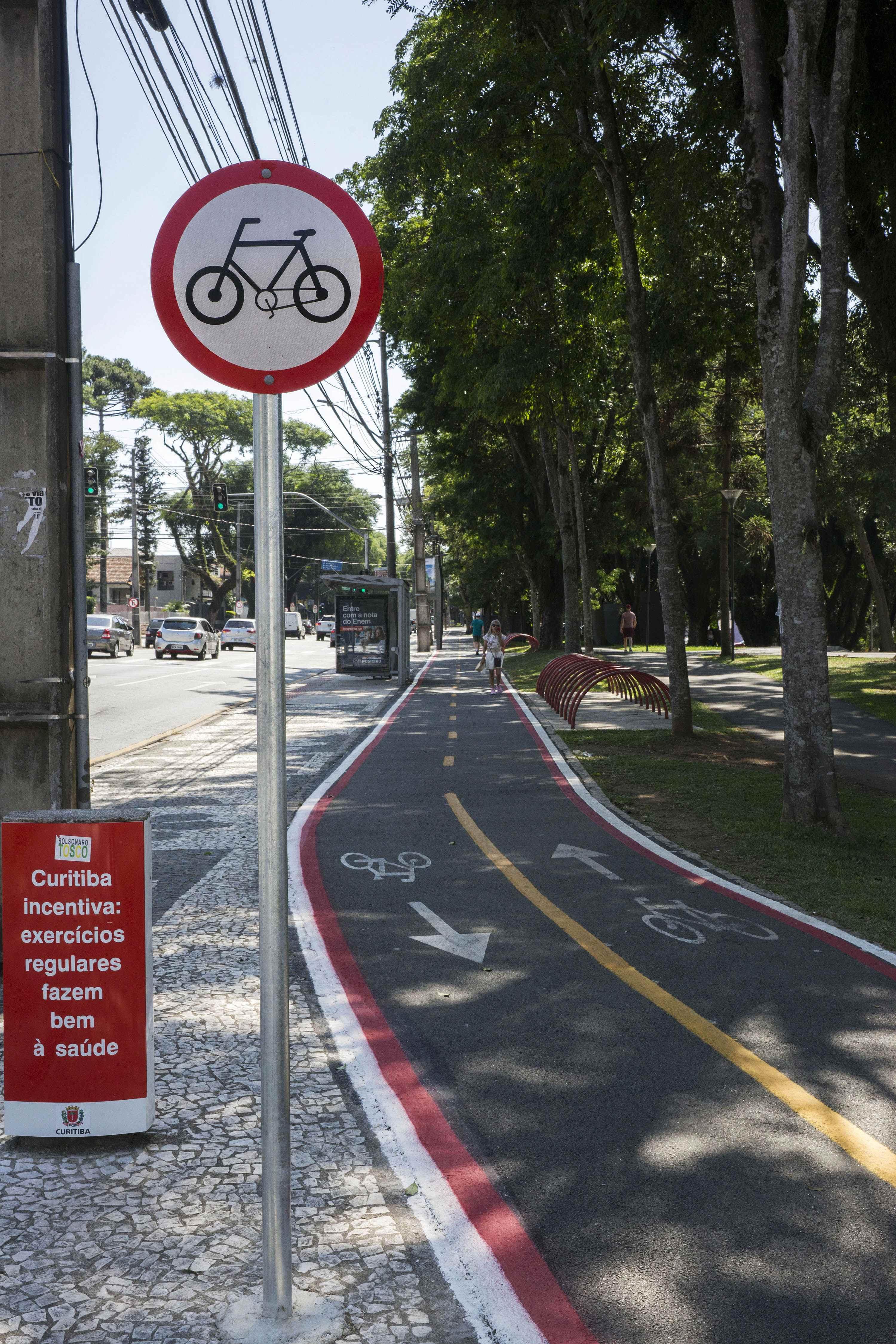 Avenida Getúlio Vargas tem estrutura cicloviária revitalizada. Curitiba, 28/01/2020. Foto: Valdecir Galor/SMCS