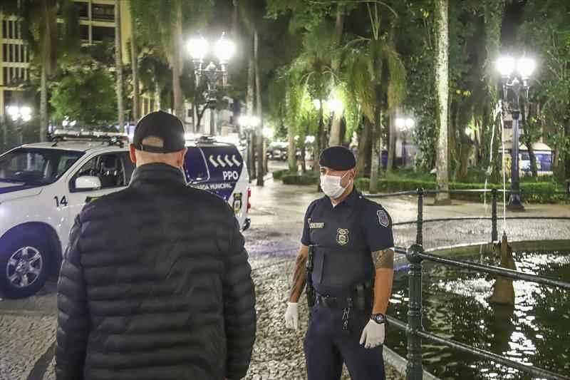 Servidores recebem luvas, máscaras e álcool em gel - Daniel Castellano / SMCS